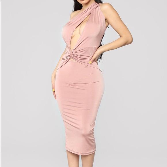 Fashion Nova Dresses & Skirts - *New fashionova dress